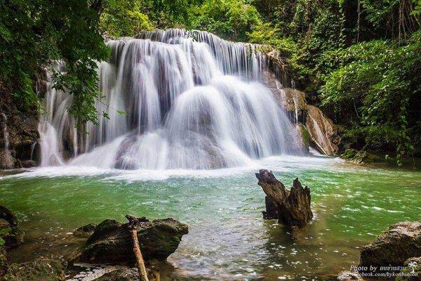 Cascade Erawan dans le parc national de Erawan